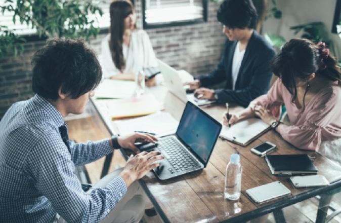 机の種類を適切に選び、効率アップに。